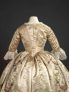 Marie Antoinette's Gown Neck