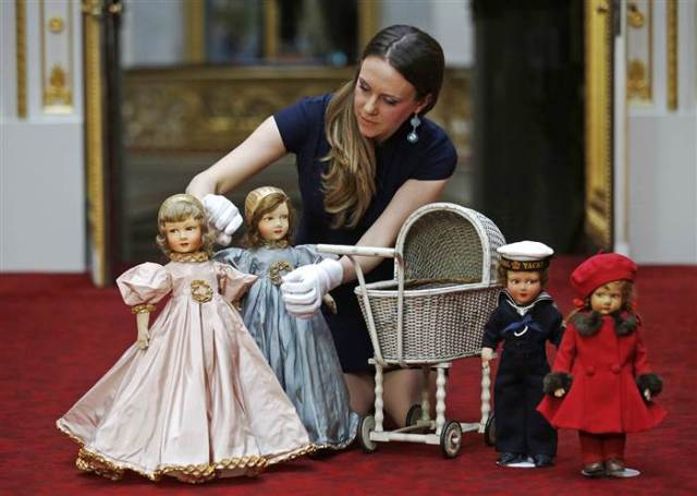 Queen Elizabeth's Dolls and Pram