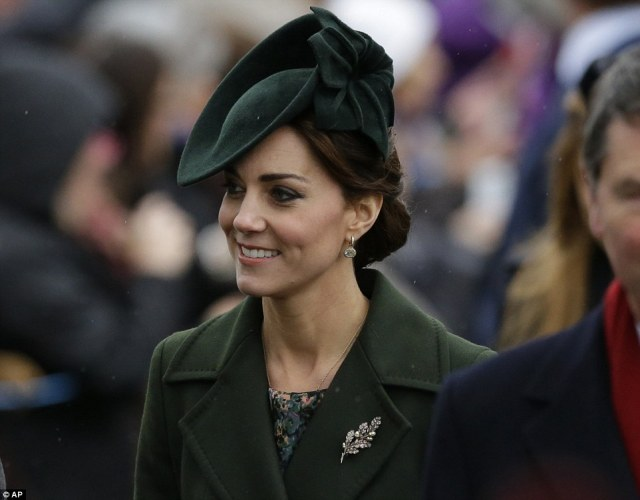 Kate XMas 2015 brooch